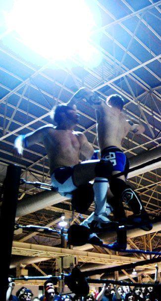 Lucha con acrobacias