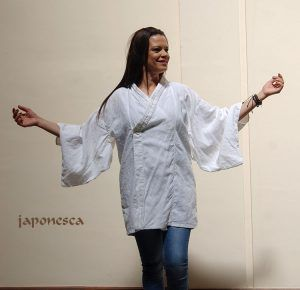 kimono blanco en lino
